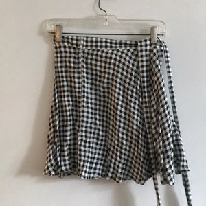 🖤Abercrombie and Fitch Checkered B&W Wrap Skirt🖤